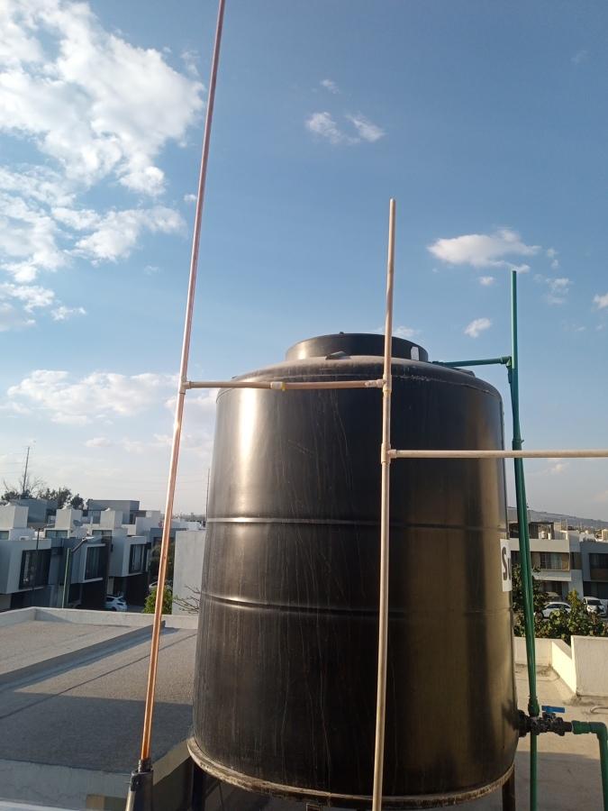 Remplazo de tubo respiradero en calentador solar.