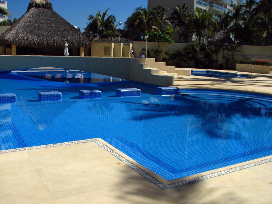 Foto instalacion de generador de cloro en piscina tipo - Piscina tipo playa ...