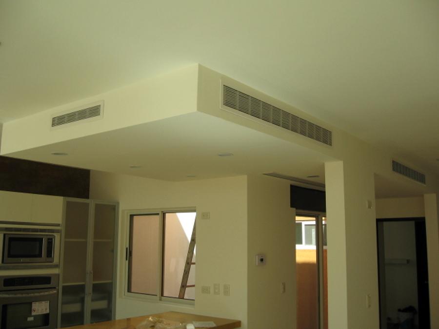 Foto instalacion de rejillas de grupo cligar aire for Rejillas aire acondicionado regulables