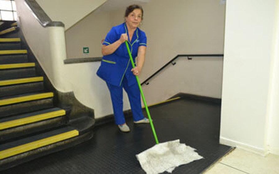 Foto servicio de limpieza en oficinas o eventual de for Limpieza en oficinas