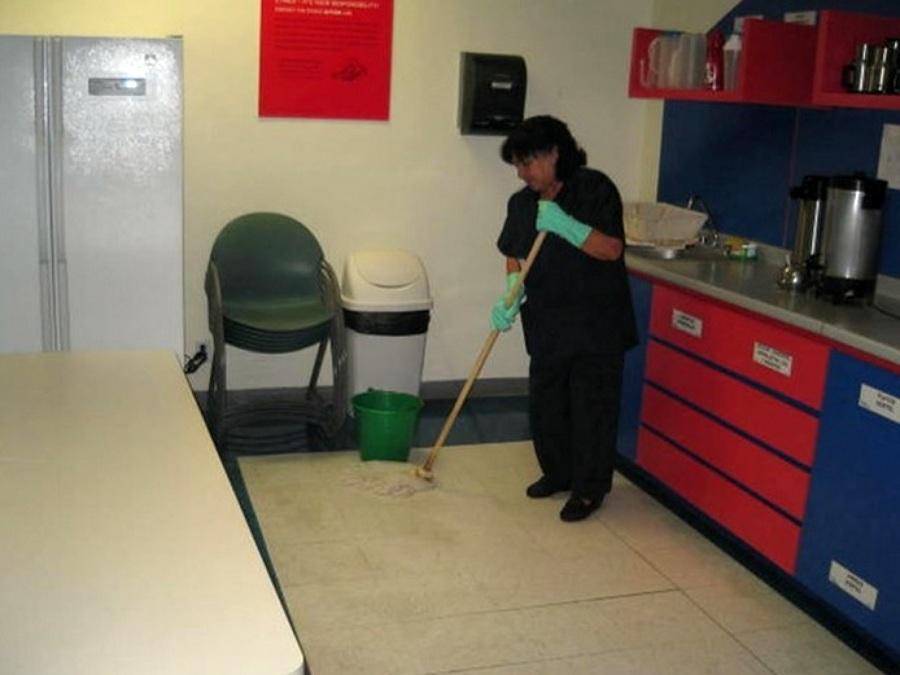 Foto limpieza comedor de oficinas de m sg mantenimiento y for Comedor para oficina