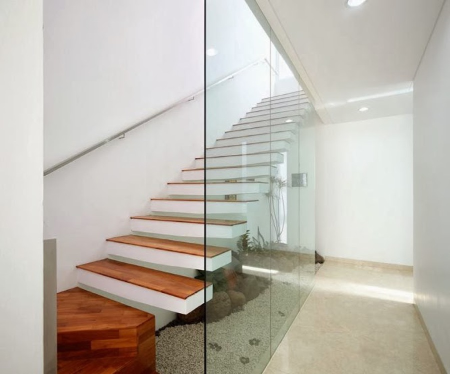 Foto escalera moderna en casa habitaci n de casas casas - Escaleras para casas modernas ...