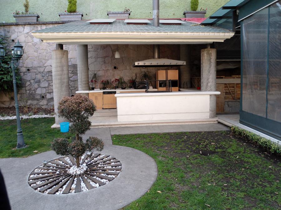 Foto patios y jardines de acabados hermanos bautista for Terrazas jardines y patios
