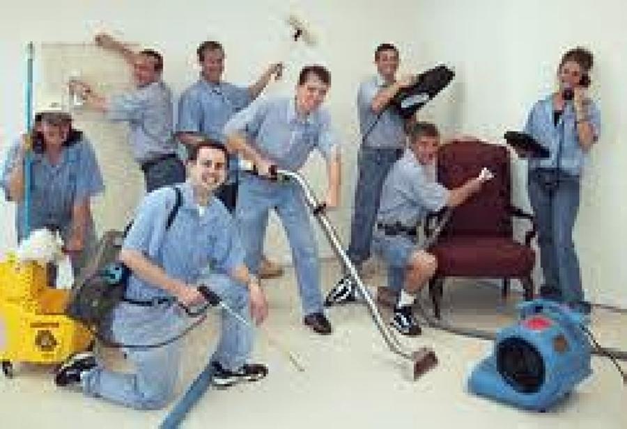 Foto personal de limpieza de world clean mx 2317 for Limpieza oficinas