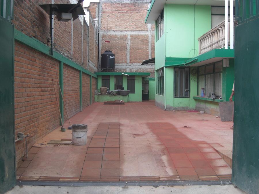 PISO DE LOSETA DE BARRO