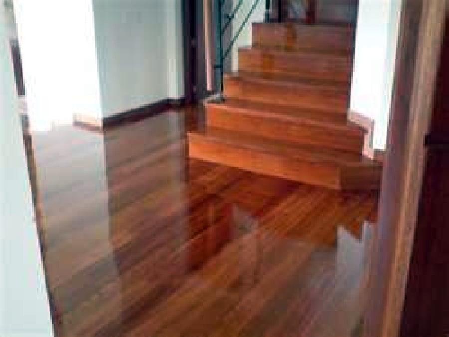 Foto piso de madera de decorex insurgentes 3031 for Piso laminado de madera
