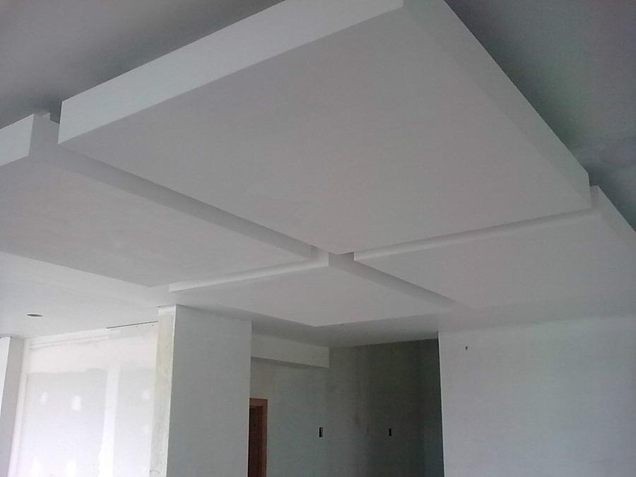 Foto plafon de tablaroca de ademir rosario arquitectos for Plafones de pared para escaleras