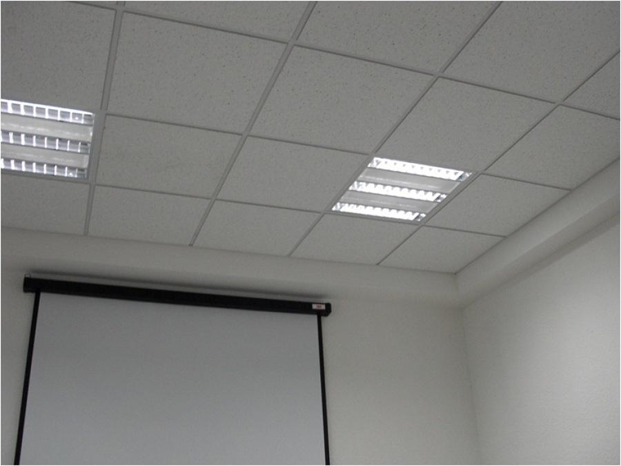 Foto plafones registrables de ademir rosario arquitectos for Plafones de pared para bano