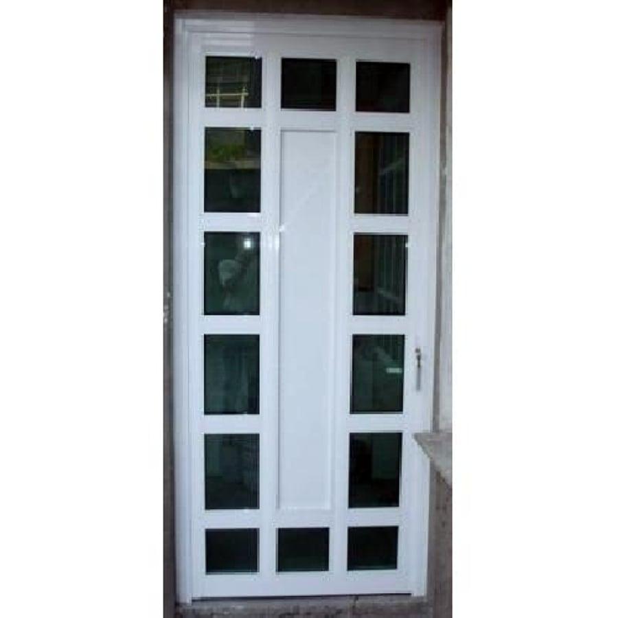 foto puerta de aluminio blanco con vidrios de vidrier a
