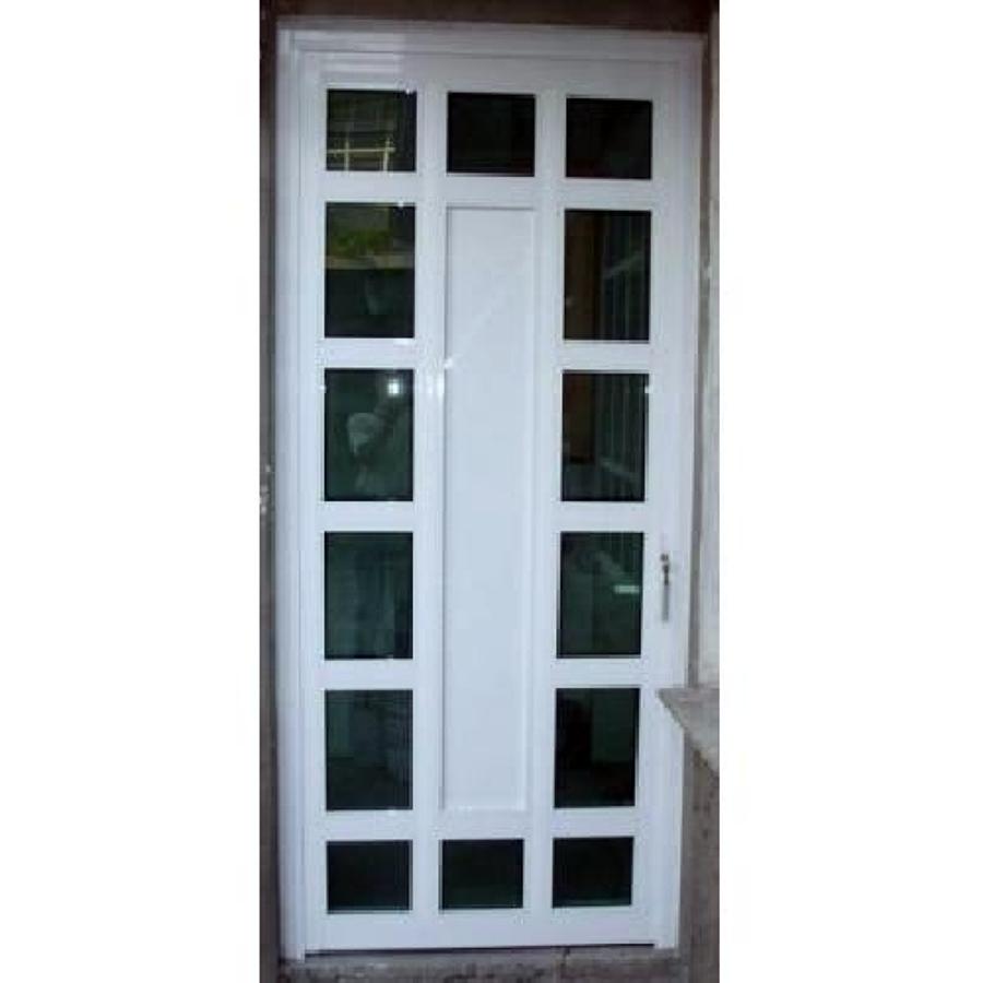 Foto puerta de aluminio blanco con vidrios de vidrier a for Mosquiteros de aluminio