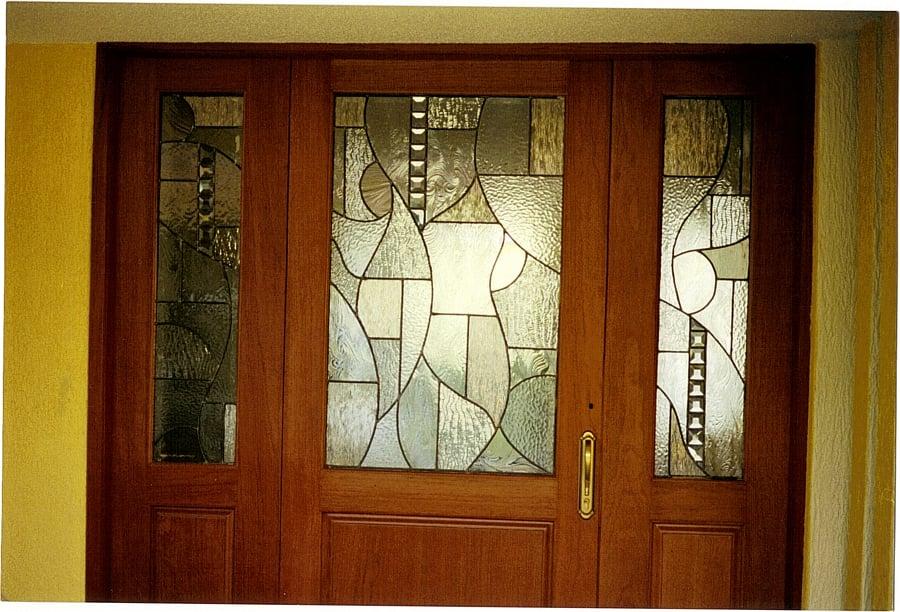 Foto puerta de entrada principal de vitralista for Puertas de madera para entrada principal de casa