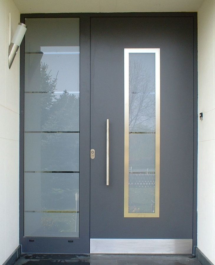 Foto puerta de herreria y cristal esmerilado de doteka for Puertas interiores de aluminio y cristal