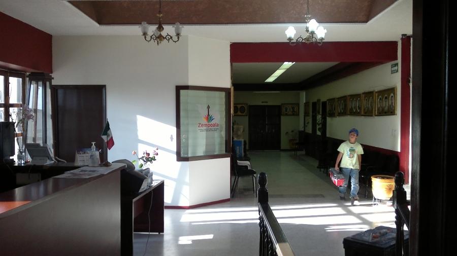 Foto remodelacion de oficinas municipales de lopez flores for Remodelacion oficinas