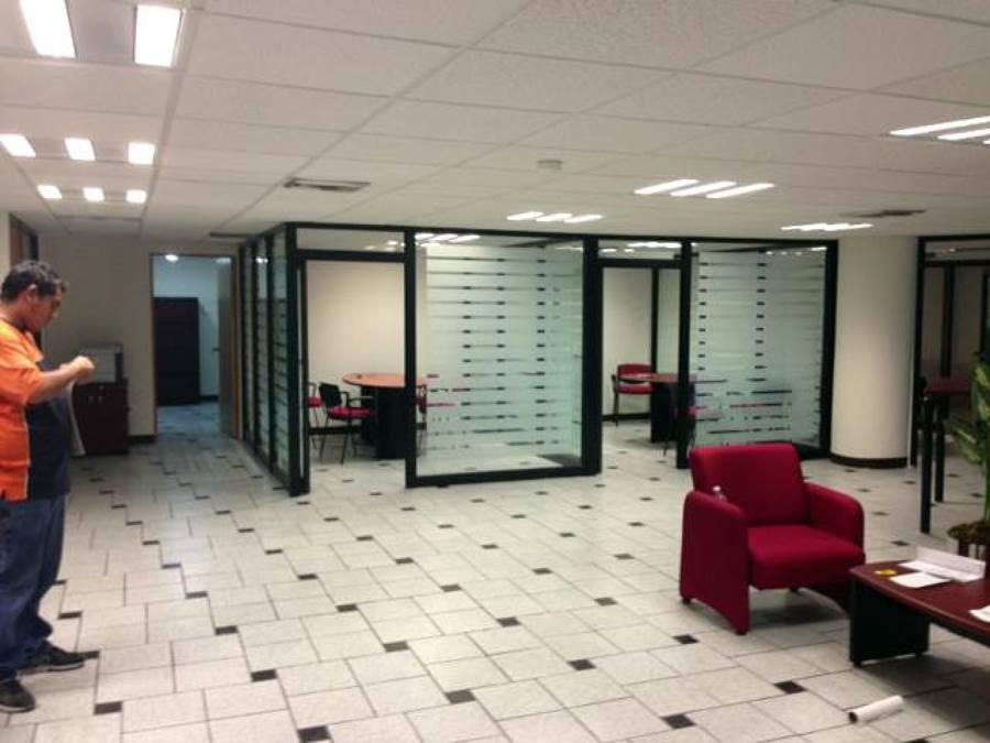 Foto remodelaci n de oficinas de construcciones for Remodelacion oficinas