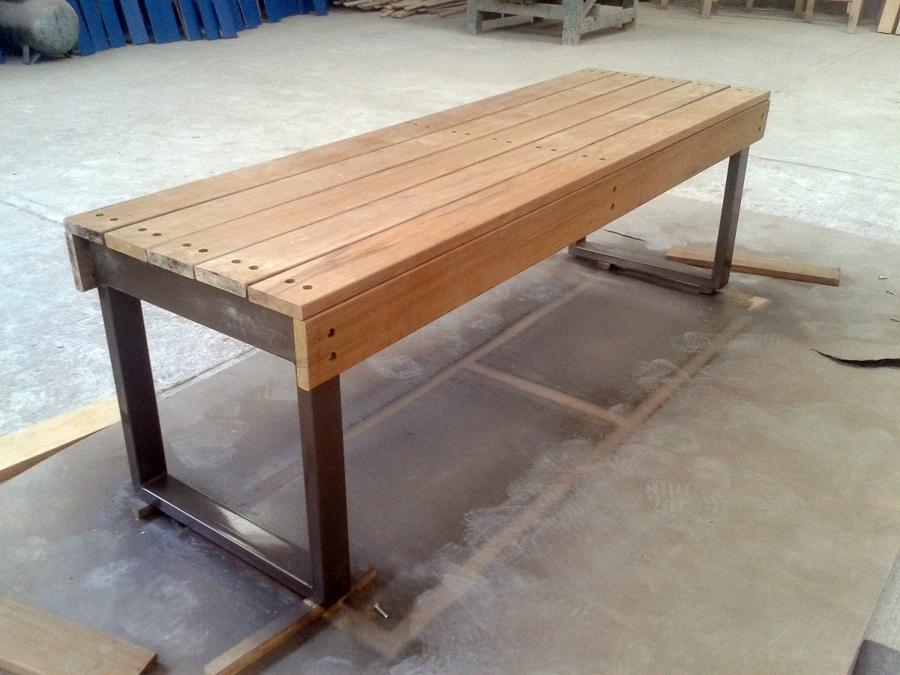 Foto reparaci n de bancas de grupo ips servicios de for Reparacion de muebles de madera