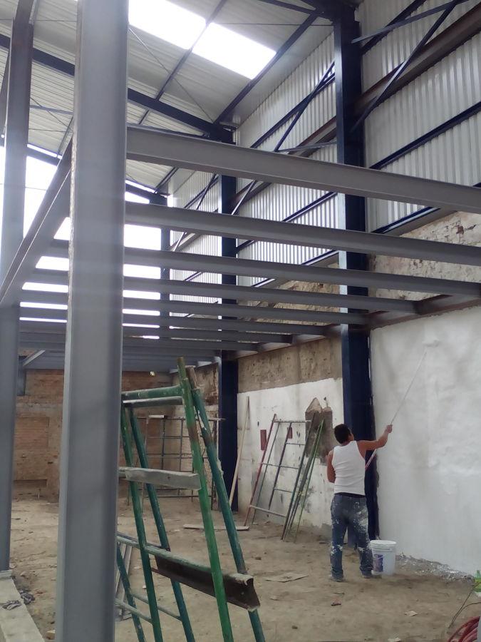 Foto oficinas de estructuras techos y naves industriales for Oficinas industriales