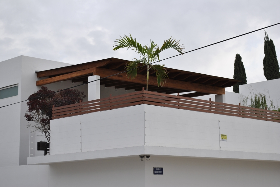 Foto terraza casa habitacion en irapuato gto de zona for Terrazas de madera para casas