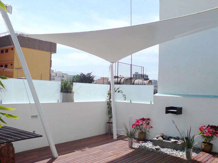 Foto terraza con velaria y deck col del valle m xico d for Casa minimalista tlalpan