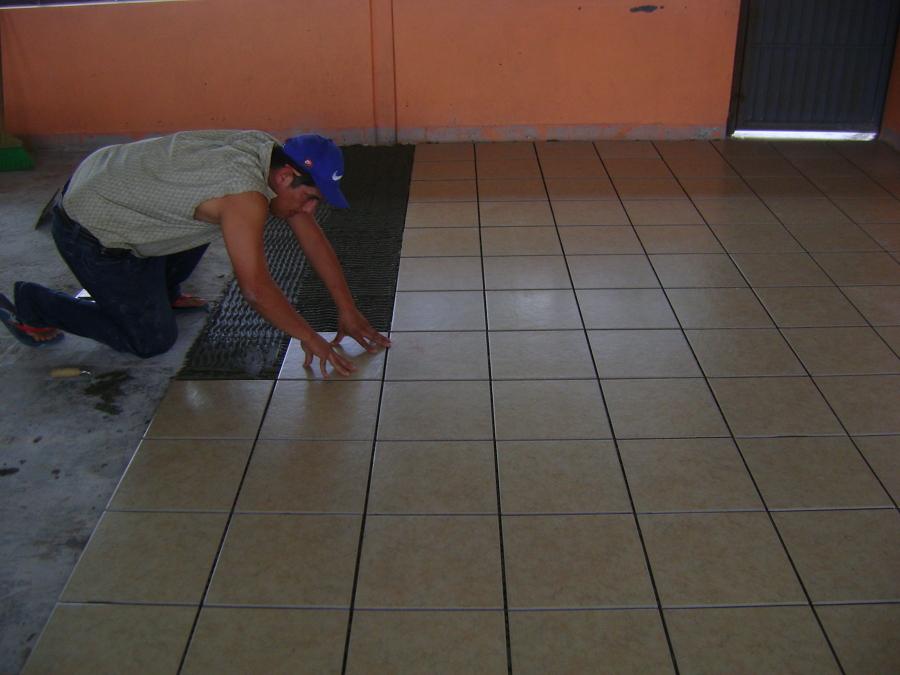 Foto vitropisos de infraestructura pavimentos asfaltos for Vitropiso para sala