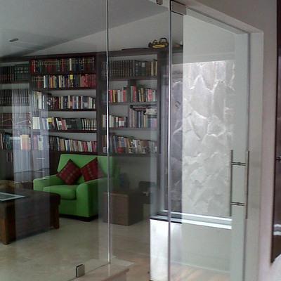 puerta de cristal templado