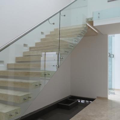 Escalera casa RV