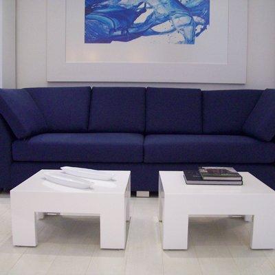 Sofás y mesas