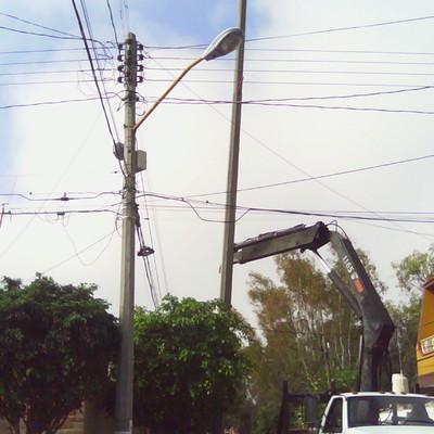 instalacion de postes de concreto
