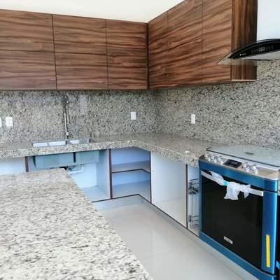 Cocina Integral muebles y cubiertas en Granito
