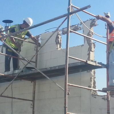 Remoción de muros en fábrica