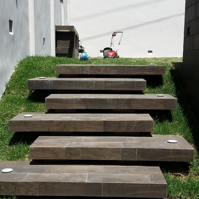 Escaleras Voladas Desfasadas