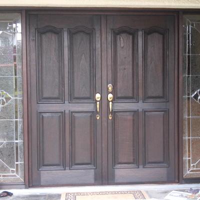 Restauración de puerta principal en zavaleta