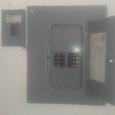 Conexión y peinado de centros de carga