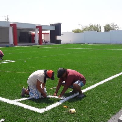 Fabricación de cancha para futbol de pasto sintético ,Portal del Norte , Zuazua , N.L.