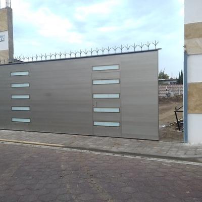 Puerta corrediza para entrada de fraccionamiento