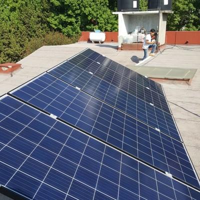 Instalacion de 5 paneles fotovoltaicos