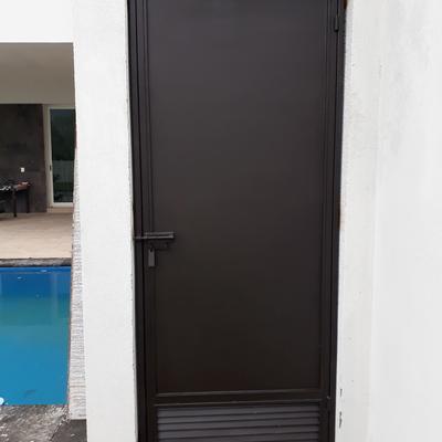 Next door puertas automaticas y herreria guadalupe - Puertas de servicio ...