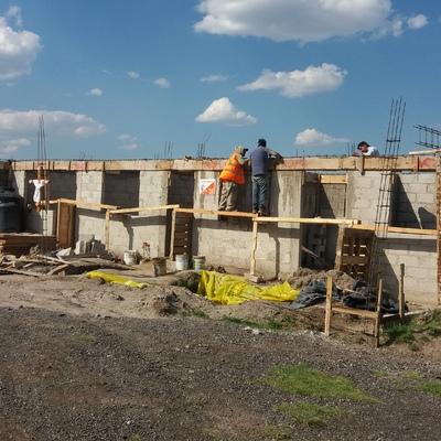 CONSTRUCCION DE MUROS