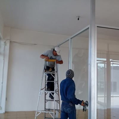 Instalación de Cancelería de Aluminio