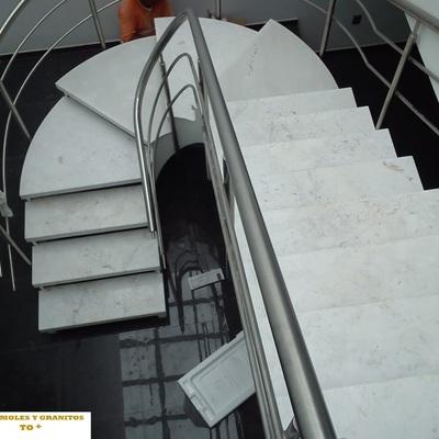 Escalera en Marmol