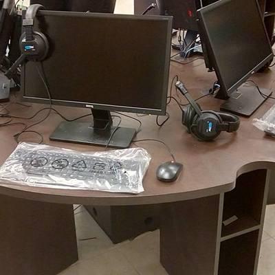 mesa de laboratorio de idiomas 3