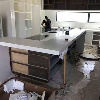 Una barra y su cocina