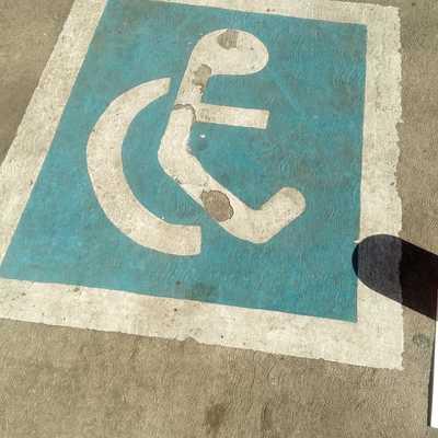 area de discapacitados sin pintar