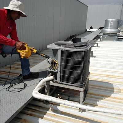 Servicio preventivo a equipos de aire