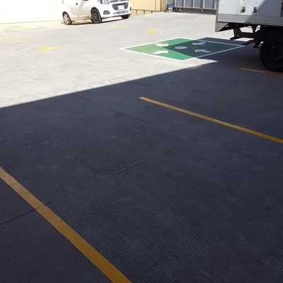 Líneas de estacionamiento