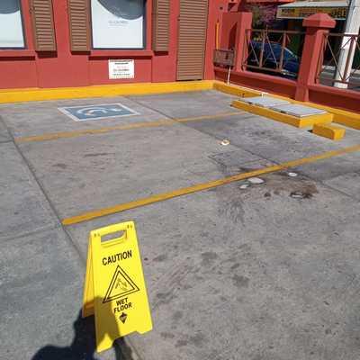 estacionamiento sin pintura