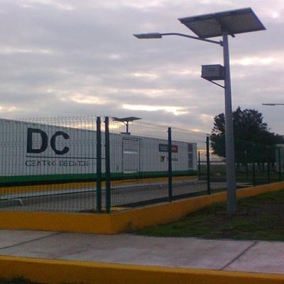Lamparas con paneles solares Laboratorios Tecamac