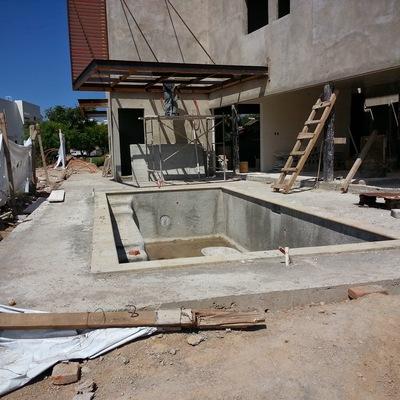 Area de alberca y Terraza con baño