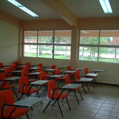Interior de Aulas CECYTEH