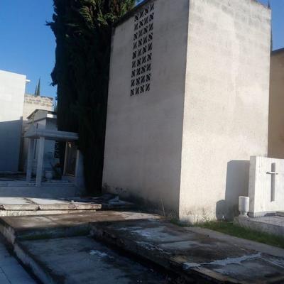 Instalacion Azulejo Tumba