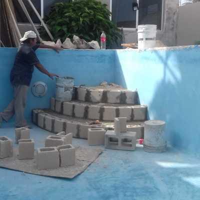 Empezando Construcción de Escalera para alberca